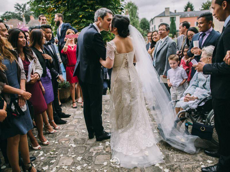 mariage cérémonie religieuse église sortie de l'église