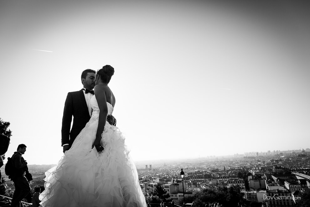 photo couple day after wedding à Montmartre, photographe day after mariage Paris