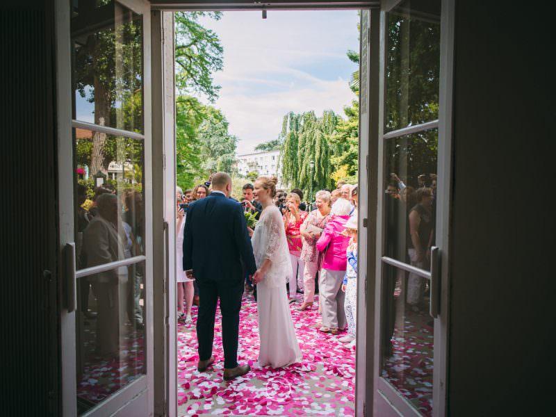 idées photos mariage civil sortie mairie