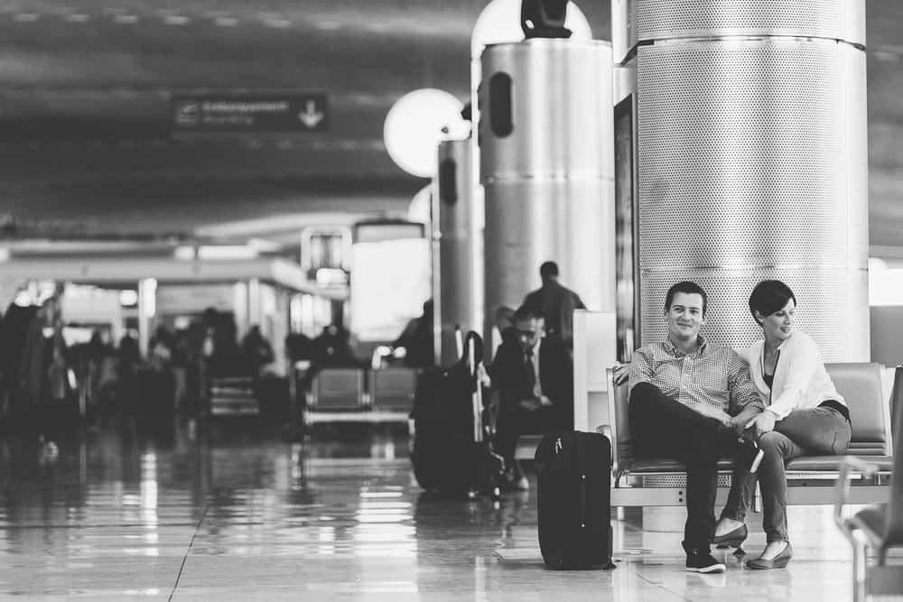 photo de couple originale aéroport