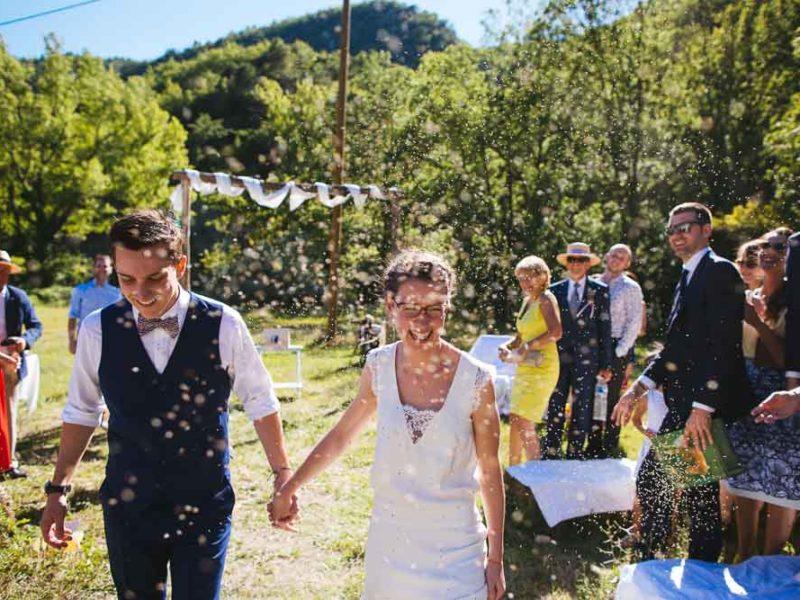 Mariage cool et champêtre en Provence | Moulin de Valouse