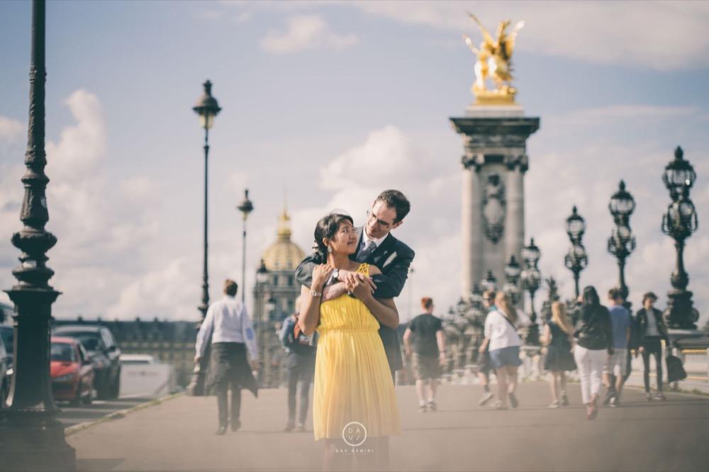 photo de couple et d'amour paris quai de seine