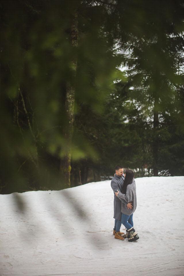 photographe de couple à la montagne