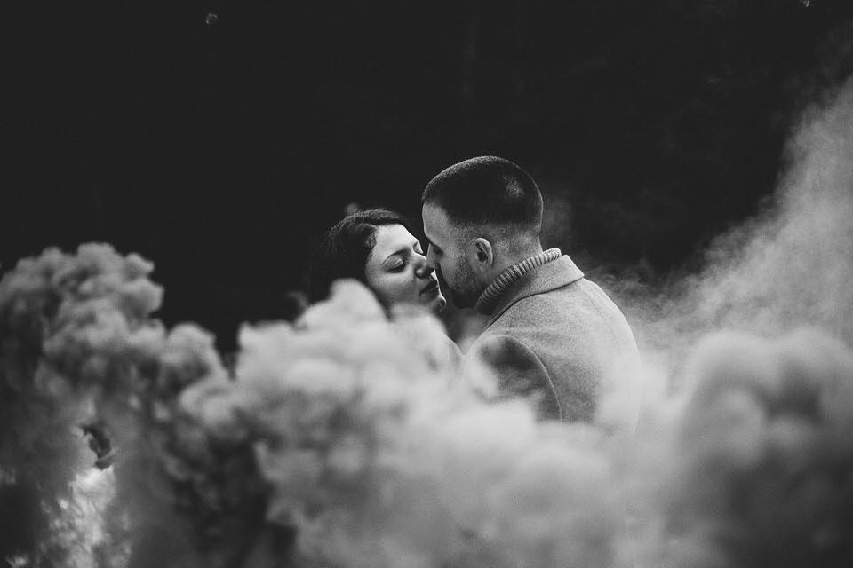 Photo de couple à la montagne