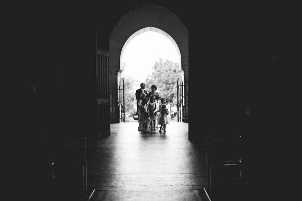 Photos mariage noir et blanc église de Coulommiers
