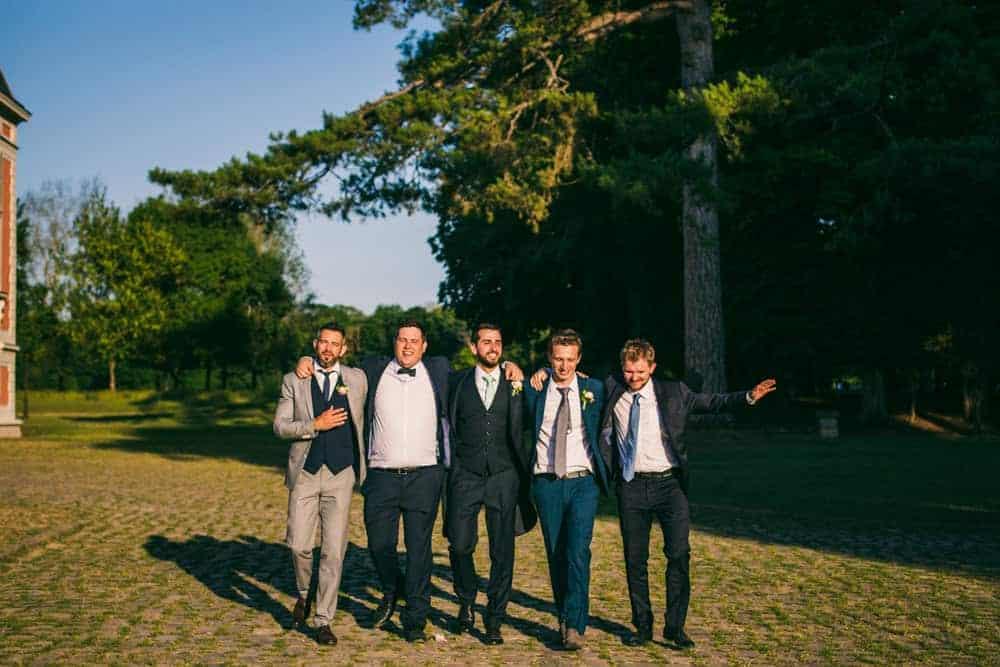 Photos de groupe mariage au château du Monceau à Liverdy-en-Brie